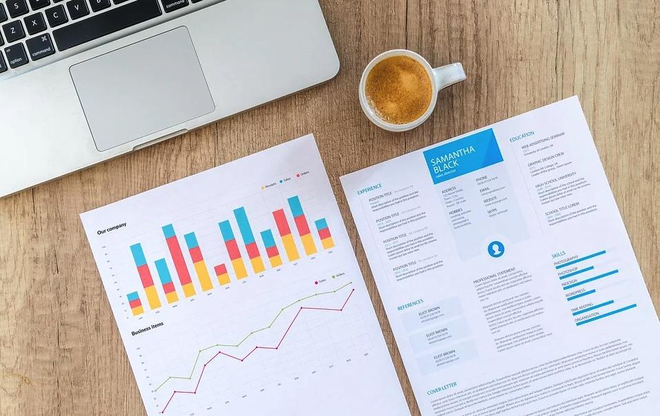 Jak w CX zbierać informacje o klienckie i w jaki sposób patrzeć na dane?